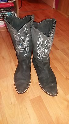 cowboy boots vintage black with pattern need some tlc
