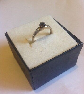 9ct Gold Ring ( size h ) half size ( 1.3grams )