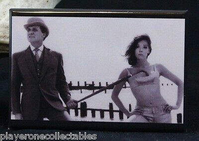 "Diana Rigg ""Emma Peel"" B & W Photo 2"" X 3"" Fridge Magnet. The Avengers"