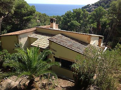 Mallorca Majorca Holiday Private Villa with pool and Air Con Sleeps 8