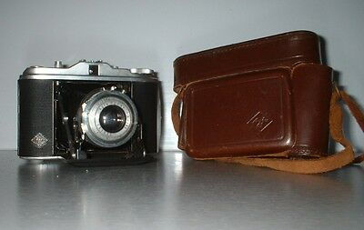 Vintage Agfa Isolette folding camera  with85mm f4.5 Agnar lens in original case