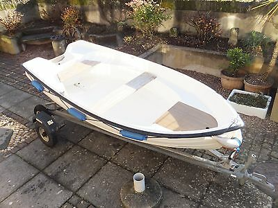 Fishing/Day Boat Dromedile With 320 Road Trailer and Launching Trailer