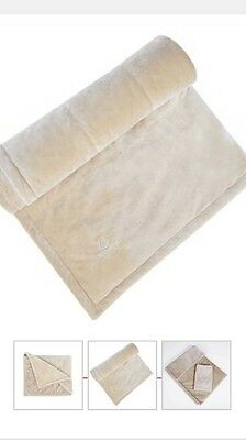 BRAND NEW - EMIRATES First Class Faux Sheepskin Airline Blanket