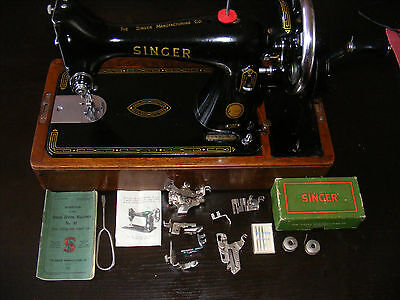 Vintage SINGER 99 sewing machine Lovely condition All oiled up With extras VGWO