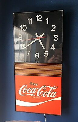 Vintage COCA COLA / COKE LIGHTED CLOCK ADVERTISING SIGN / Made in 1970s / WORKS!