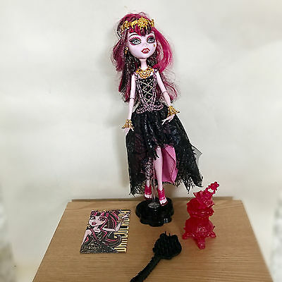 Monster High Doll, 13 wishes - Draculaura -  very good condition!