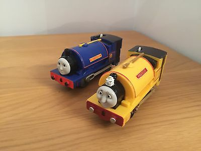 Tomy trackmaster thomas the tank engine battery train Sir Handle & Proteus