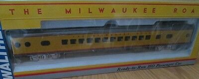 2nd HO Scale Milwaukee Road 52 Seat Coach Passenger Car by Walthers