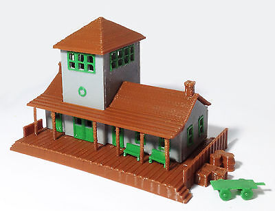 Outland Models Train Railway Layout Small Train Station / Depot N Gauge 1:160