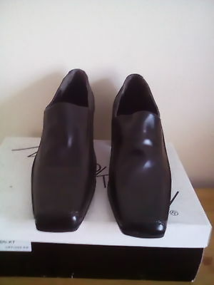 Brand New womens brown  trouser shoes size 7
