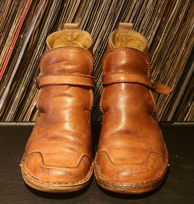 """Vintage Mod Ankle Buckle Wedge Boots Tan """"Dusty"""" Made in Brazil 38"""