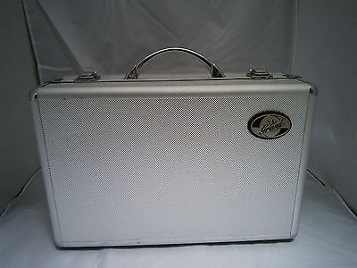 Clarinet Case Aluminum/silvery  Plush Lined, Form Molded New, Sale! B-Stock