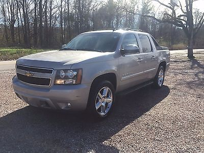 2007 Chevrolet Avalanche LTZ 2007 Chevrolet Avalanche LTZ - Clean CARFAX MUST SEE!!!