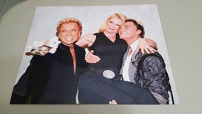 WWF Wrestler Sable w/Las Vegas Magicians Siegfried & Roy 8x10 glossy photo RARE