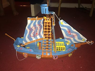 SpongeBob SquarePants Pirate Ship With Characters And Box (hull)