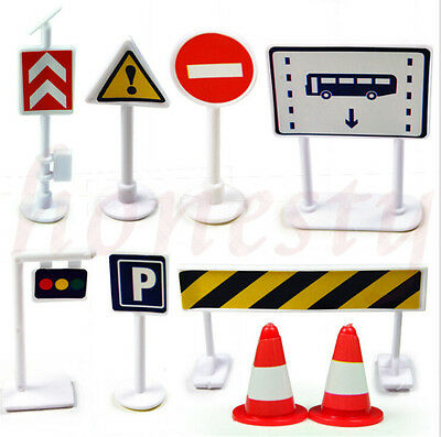 Kids Play 9pcs/Set Road Traffic Signs Signal Plastic Kids Learn Educational Toy