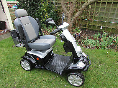 KYMCO Maxi Mobility Scooter - 8mph Road going. Delivery in Surrey possible