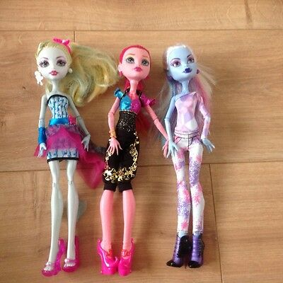 Good condition monster high dolls
