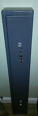 Very Lightly Used Two Rifle Or Shotgun Storage Case Safe Cabinet Collection Only