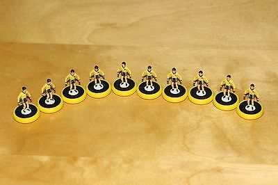Subbuteo Table Football Team - AEK Athens Kit - Pro Bases - 10 Players