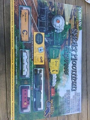 New & Sealed- Ho Bachmann Smoky Mountain Express Complete Set W/locomotive 00613