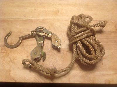 "Klein Tools 1802-30S Block & Tackle with 3/8"" Rope & Swivel Hook 750 lb Limit"