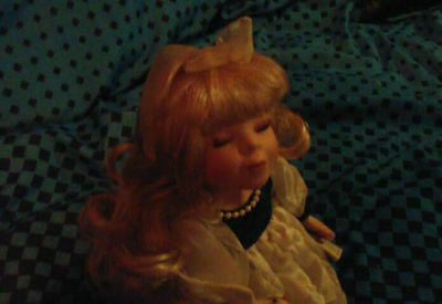 "Porcelain Doll Collector's Choice LORRAINE Sitting 9"" Musical"