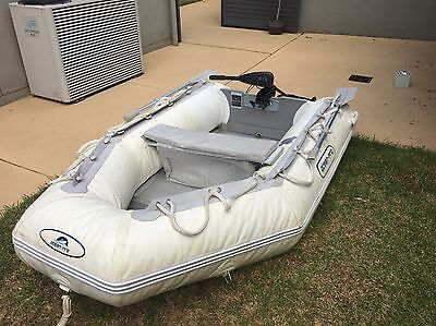 Ocean-pro Inflatable Boat With 5 Speed Trawling Motor