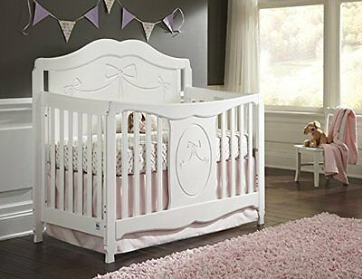 Stork Craft Princess 4 in 1 Fixed Side Convertible Crib White 2011 LOCAL PICK UP
