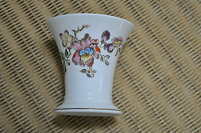 Wedgwood Swallow Trumpet Vase Excellent Cond
