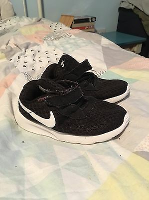Boys Infant Trainers Size 7.5 Nike Black White Cool