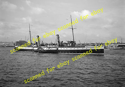 Photo - Queen of Thanet paddle steamer, Thames, 1936