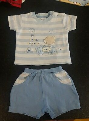 Baby boys clothes 2pc short set from George 0-3 months  008
