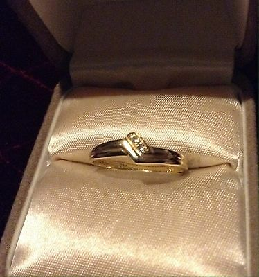 18ct Gold And Diamond Art Deco style Ring
