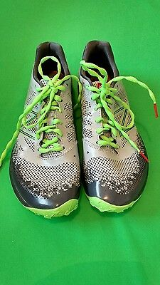 New Balance  Mens light weight  trail running shoes size 8