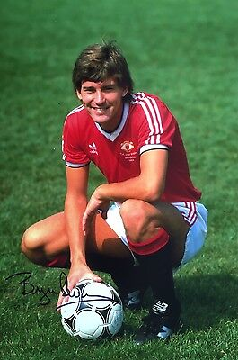 Manchester United Bryan Robson  Original Hand Signed Photo 30x20cm With COA