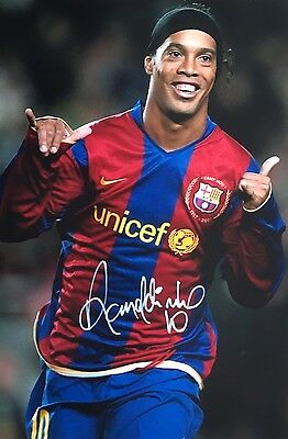 Barcelona Ronaldinho Original Hand Signed Photo 30x20cm With COA