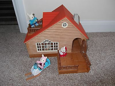 Sylvanian Families Ski Lodge with Skidoo, Figures and Furniture