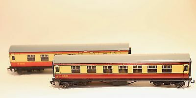 X2 HORNBY DUBLO TIN COACH No. M 26133 & No. M4183 MAROON CUSTARD GREY ROOF