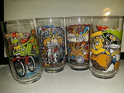 Vintage Complete Set of 4 Great Muppet Caper Glasses 1981 McDonald's used Kermit