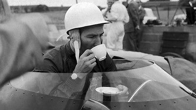 New 6 X 4 Photograph  Formula 1 Stirling Moss 1