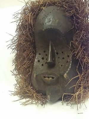 rare exceptional african bena lulua tribal mask,blind eyes,pointed chin