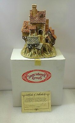 David Winter The House On Top In Excellent Condition 1982