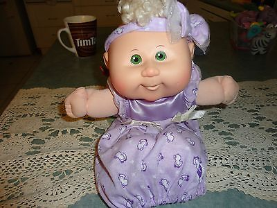 2004 CABBAGE PATCH KIDS PREEMIE BABY PLAY ALONG DOLL CPK & original OUTFIT