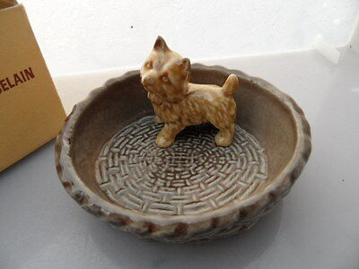 WADE    Puppy Dish or Tray  No 4   CAIRN TERRIER?  Boxed  VINTAGE ITEM   PERFECT