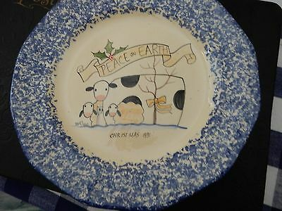 MOLLY DALLAS PEACE ON EARTH CHRISTMAS 1991 SPONGE WARE PLATE COW SHEEP chip back