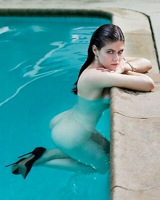 Super Hot Alexandra Daddario Naked in the Pool 8x10