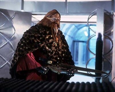 Frelling Awesome Farscape Ka D'Argo Preparing for Battle 8x10