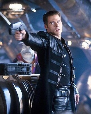 Frelling Awesome Farscape Ben Browder John Crichton with his Pulse Pistol 8x10