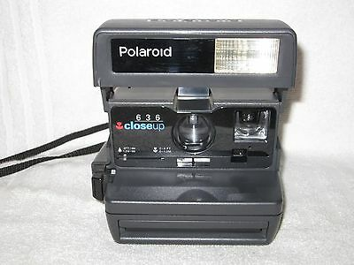 Vintage Polaroid 636 Close Up Instant camera. uses 600 film. Working